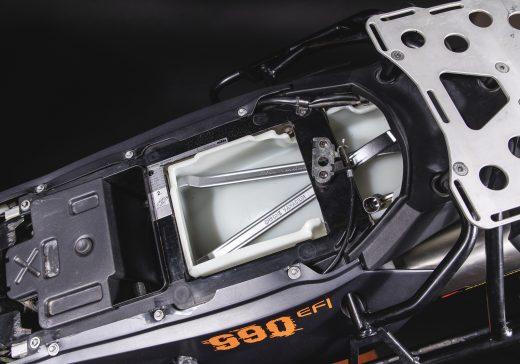 KTM LC8 storage
